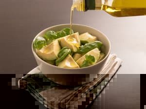 Avocadosalat mit Avocadoöl